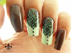 My blog: Nails by Cassis P http://cassispeach.blogspot.com.au/ This is the tutorial for Mint & Chocolate stamping nail art. http://cassispeach.blogspot.com.au/...