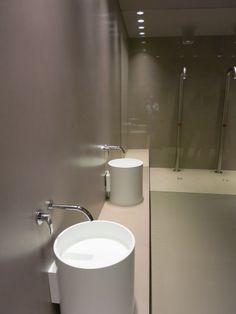 ambientazione bagno lavabi corian boffi pavimento e rivestimento resina wwwstanzedautore