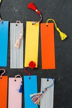 Diy Bookmarks - Her Crochet Creative Bookmarks, Bookmarks Kids, Crochet Bookmarks, Handmade Bookmarks, Corner Bookmarks, Tassel Bookmark, Bookmark Craft, Bookmark Ideas, Diy Tassel