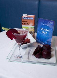Bloody Beef: Caldo Casero de Carne 100% Natural Gallina Blanca, zumo de remolacha y salsa de frutos del bosque . ¡Atrevido!