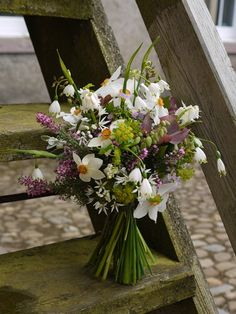 Spring posy with heather and white daffodils