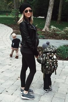 Kristin Cavallari wearing Ray-Ban Aviator Sunglasses and Nike Juvenate Fleece Trainers in Tumbled Grey