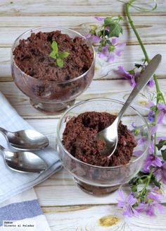 Uno de los postres que más nos gusta a todos es la mousse de chocolate y aunque seguro que todos conocéis alguna receta de este postre, hoy os...