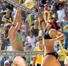 Favorite summer sport - Beach volleyball players Misty May Treanor vs Nicole Branagh, my favorites! Beach Volleyball Girls, Women Volleyball, Laura Ludwig, Misty May Treanor, Gymnastics World, Female Volleyball Players, Female Gymnast, Muscular Women, Sporty Girls