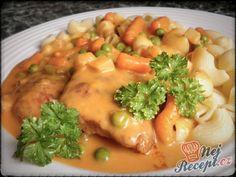 Bratislavské pliecko s cestovinami Pork Recipes, Cooking Recipes, Hungarian Recipes, Garlic Bread, Main Meals, No Cook Meals, Foodies, Food And Drink, Yummy Food