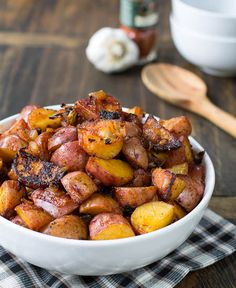 PAPRIKA POTATOES: Red Potatoes cooked in skillet and flavored with smoked paprika. Ingredients: 2 lbs small red potatoes (rinsed & halved), 1/4 cup olive oil, 1 onion (chopped), 2 garlic cloves (minced), 2 tsp smoked paprika, 1 cup chicken broth, salt and pepper.