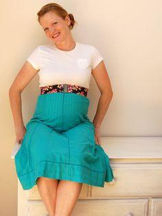 Turn an oversized skirt into an empire waist maternity skirt with Sara of Craft Snob