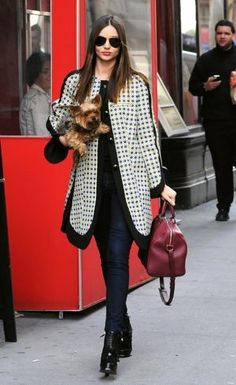 So chic! The bag just makes this outfit pop and the coat is so on trend for autumn/winter 12!