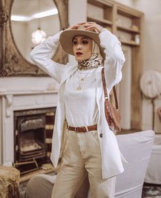 Nabilahkareem Hijab Outfit, Beret Outfit, Hijab Casual, Casual Outfits, Street Hijab Fashion, Muslim Fashion, Modest Fashion, Fashion Outfits, Ootd Poses