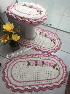 Crochet Doily Rug, Crochet Hats, Crochet Diagram, Crochet Patterns, Crochet Home Decor, Bathroom Sets, Diy Crafts To Sell, Kids Rugs, Knitting