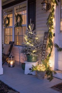 Make the most of your small porch or entry with a few simple Christmas decorating ideas that are budget friendly! #Christmas #porch #exterior #lights Exterior Christmas Lights, Front Door Christmas Decorations, Christmas Lights Outside, Christmas House Lights, Decorating With Christmas Lights, Christmas Front Porches, Holiday Decorating, Rustic Christmas, Christmas Diy