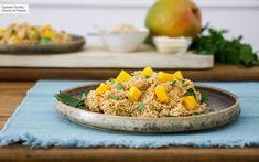 Falso risotto de quinoa con mango receta fácil rápida y nutritiva (con vídeo incluido) #Recetas #Vegetarianas Risotto Quinoa, Salmon Y Aguacate, Yami Yami, Vegetarian Recipes, Healthy Recipes, Healthy Food, Fried Rice, Mango, Recipies