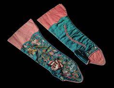 """Mitaine"""" gloves (1725 - 1750) by UnknownPalazzo Mocenigo"""