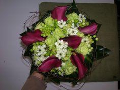 bruidsboeket - paarse aronskelken - witte rozen, ornitogalum - hypericum falenopsis boechout