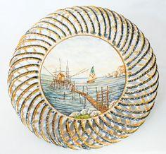 Centrotavola interamente realizzato a mano con fascia intrecciata a mano e dipinto a mano. #ceramica #madeinitaly