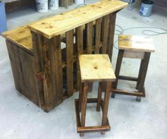 Pallet Bar - I really like this idea!