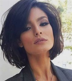 Here are 17 chic and eye-catching bob hairstyles, from Short-Haircut: A hairstyle is the best way to show off your style and the beauty of your face. You can make a great look with a modern and chic haircut like bob hairstyles that are the biggest trend Popular Short Hairstyles, Short Bob Hairstyles, Cool Hairstyles, Popular Haircuts, Layered Haircuts, Brown Hairstyles, Pixie Haircuts, Gorgeous Hairstyles, Hairstyle Short