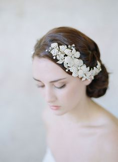 5 Perfect Hair Accessories for a Vintage Bride - Comb by Twigs & Honey