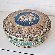 Vintage tin - gorgeous!