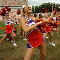 Clemson University Cheerleaders, cheerleading, #cheer, football game m.21.2 #KyFun Clemson Football, Clemson Tigers, College Football, Big Cheer Bows, Competition Bows, Frat Parties, College Cheerleading, Military Girl, Orange And Purple