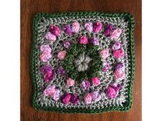 This video shows how to work up the Crochet Love Flower Field Square.. get the written pattern here.. http://dearestdebi.com/love-flower-field-square Video M...