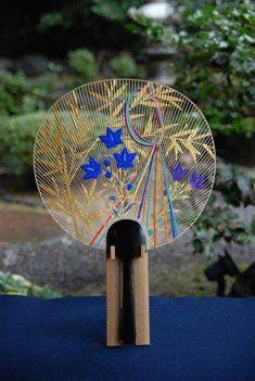 per prior pinner:  Japanese paper fan -uchiwa- 京うちわ  So pretty.