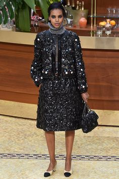 Chanel Fall 2015 RTW  oh my oh my! CHANEL! classic luxury! <3