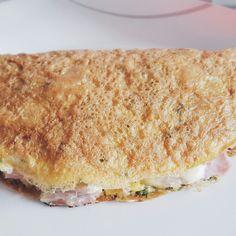 Omelete de atum, queijo e fiambre
