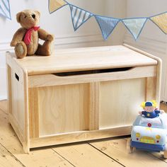 Pintoy Natural Wooden Toy Chest
