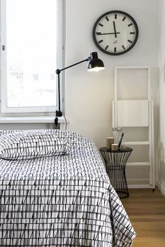 easy diy projects for your room Scandinavian Bedroom, Scandinavian Design, Nordic Design, Home Bedroom, Bedroom Wall, Bedrooms, Diy Projects For Your Room, Bed Design, House Design