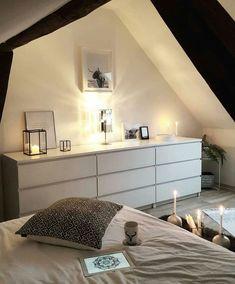 Hoboken Master Bedroom design with reclaimed wood feature wall Ikea Bedroom Design, Home Bedroom, Bedroom Decor, Bedroom Furniture, Bedrooms, Bedroom Design Inspiration, Inspiration Wall, My New Room, Home Decor