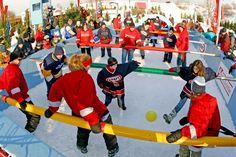 Jeu de soccer géant du Carnaval de Québec / Giant Table Soccer Game of the Quebec Winter Carnival