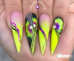 "Flowers art and ""Ombrush"" technique using products. Will include in the Workshop San Jose in July 😍😍😍If you haven't registered… Neon Nails, Bling Nails, Swag Nails, Stiletto Nails, Beautiful Nail Designs, Cool Nail Designs, Acrylic Nail Designs, Gorgeous Nails, Pretty Nails"
