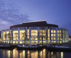 The Muziektheater Amsterdam (Amsterdam Music Theatre) is home to De Nederlandse Opera (The Dutch Opera House)