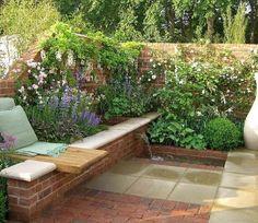 schöne Gartengestaltung im kleinen Garten