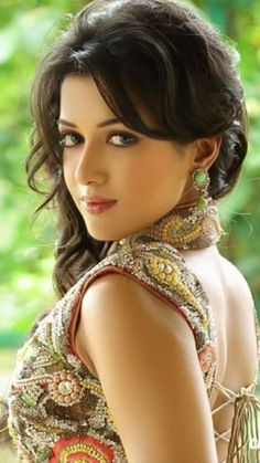 Most Beautiful and Sexy Babes!hot women Share the beauty and love. Beautiful Indian Actress, Beautiful Actresses, Beauty Full Girl, Beauty Women, Beautiful Eyes, Most Beautiful Women, Gorgeous Lady, Absolutely Gorgeous, India Beauty