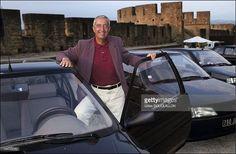 Jacques Calvet, le Président du groupe PSA, lors de la présentation de la nouvelle Peugeot 106 à Carcassonne le 7 septembre 1991. Photo: Gilles Bouquillon / Getty Images