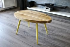 Product Placement - Scandinavian Oval Oak Yellow