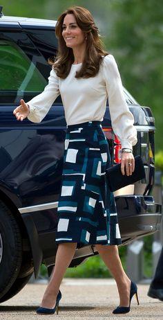 Catherine, The Duchess of Cambridge. Catherine, The Duchess of Cambridge. Moda Kate Middleton, Style Kate Middleton, Kate Middleton Skirt, Kate Middleton Fashion, Kate Middleton Outfits, Princess Kate, Princess Shoes, Duchess Kate, Duchess Of Cambridge