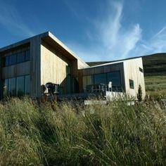 Внести архитектурные изменения и построить такой дом может наша команда. Звоните! Cabin, House Styles, Home Decor, Decoration Home, Room Decor, Cabins, Cottage, Home Interior Design, Wooden Houses