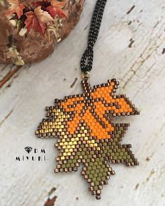 Seed Bead Art, Seed Bead Jewelry, Bead Jewellery, Bead Embroidery Jewelry, Beaded Jewelry Patterns, Beaded Embroidery, Seed Bead Patterns, Seed Bead Tutorials, Beading Patterns