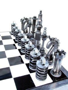 http://i30.photobucket.com/albums/c331/FourbangerYJ/metal%20art/chesssetcomplete008_zpseb6b33a6.jpg