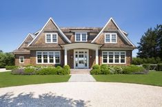 Abutting acres of reserve, this home is only half-a-mile from Sagaponack's beaches. Cottage Exterior, Beach Design, House Goals, Dream Decor, Beach House Decor, New Construction, Great Rooms, Exterior Design, The Hamptons
