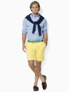 I had to post this on my humor board. Imagine if your husband/boyfriend wore this out with you? Preppy Boys, Preppy Style, Preppy Outfits, Short Outfits, Smart Shorts, Mens Fashion Suits, Men's Fashion, Yellow Shorts, Stylish Men