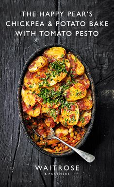 This is a super-satisfying dinner. The pesto gives the potatoes a lovely caramel. Vegetarian Dinners, Vegetarian Cooking, Vegetarian Recipes, Cooking Recipes, Healthy Recipes, Cooking Courses, Happy Pear Recipes, Cooking Pasta, Cooking Food