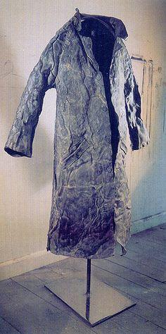 29-10-11  Louise Richardson  House coat (lead)
