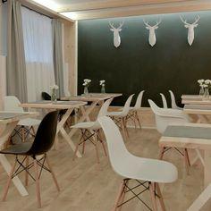 Sala śniadaniowa  #villa11 #zakopane #drewno #wood #folk #design #architektura #architekturawnetrz #jelenie #foldit #eames #salasniadaniowa