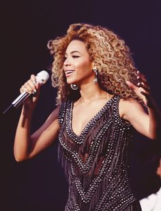 Bey Performing @ T In The Park Festival Mrs Carter, Queen B, Jessica Alba, Sexy, Park, Places, Dresses, Fashion, Vestidos