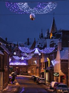 Tain High St. (Tain - Scotland) Scotland my !st priority to visit