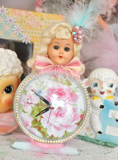 Vintage Glamour Girl Doll head clock